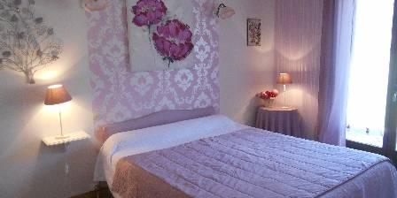 Le Mas Des Chardons Chambre rose