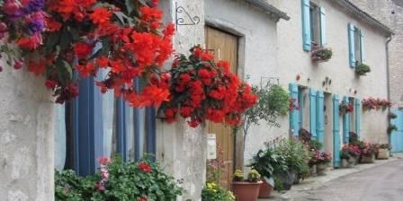 Charroux; un des plus beaux villages en France