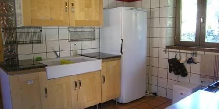 Le Refugi Cuisine- bacs et frigot