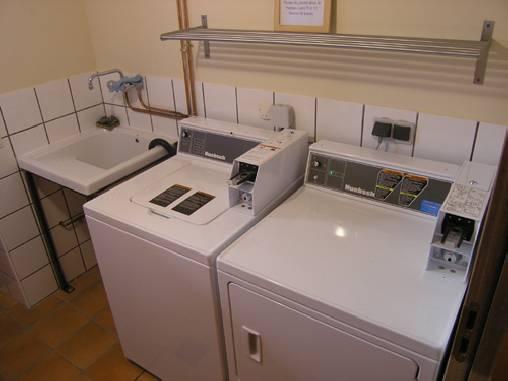 lave et sèche linge 8 kg self service