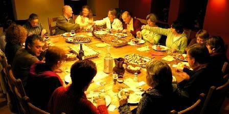Le Refugi Repas typique à la table de l'Orri de Planès