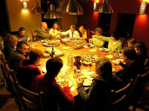 repas typique à la table de l'Orri de Planès