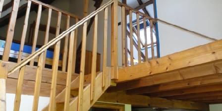 Gite La Ferme De Wolphus > Escalier vers Mezzanine et Chambre