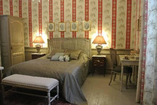 chambres d 39 hotes gers chateau de darrech. Black Bedroom Furniture Sets. Home Design Ideas
