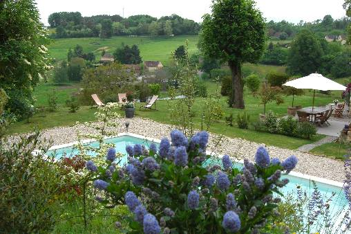 Bed & breakfasts Dordogne, from 75 €/Nuit. House of character, Sarlat (24200 Dordogne), Charm, Swimming Pool, Garden, Net, WiFi, Baby Kits, 4 Double Bedroom(s), 1 Suite(s), 10 Maximum People, Country View. A proximité : Sa...