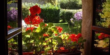 Gite Les 4 Saisons en Morvan > fenêtre sur le jardin sud