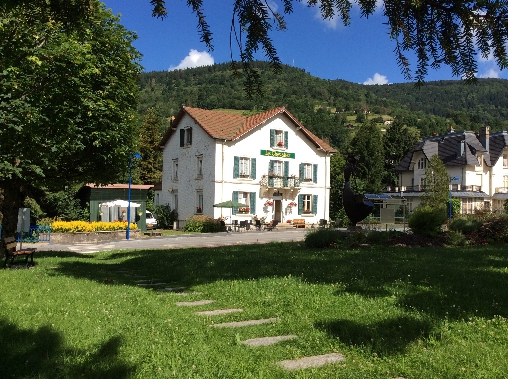 Bed & breakfasts Vosges, from 32 €/Nuit. House of character, Bussang (88540 Vosges), Guest Table, WiFi, 1 Single Bed(s), 6 Double Bedroom(s), 14 Maximum People, Computer, Blue Card, Repas Du Soir 19 Euro. A proximité : T...
