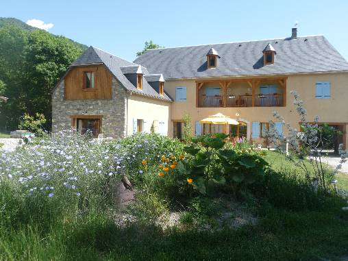 Bed & breakfasts Hautes-Pyrénées, from 65 €/Nuit. House of character, Guchen (65240 Hautes-Pyrénées), Charm, Guest Table, Garden, Park, Net, WiFi, Baby Kits, Parking, 4 Double Bedroom(s), 1 Suite(s), 12 Maximum People, Lounge, Li...