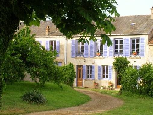 Bed & breakfasts Yonne, from 72 €/Nuit. House of character, Girolles (89200 Yonne), Charm, Guest Table, Garden, Park, WiFi, Baby Kits, Parking, 2 Double Bedroom(s), 3 Suite(s), 15 Maximum People, Lounge, Chimeney, Trave...