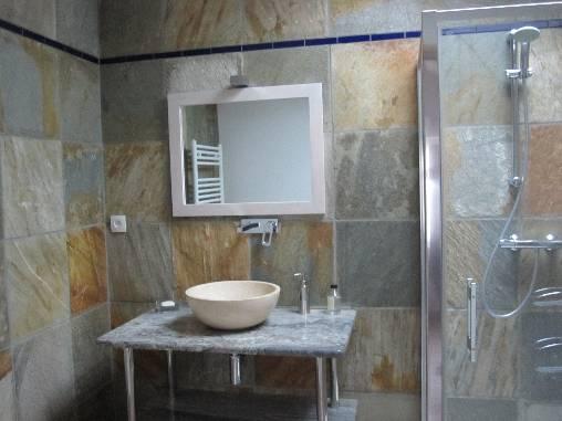 Salle de bains de la 1ère suite du 1er étage.