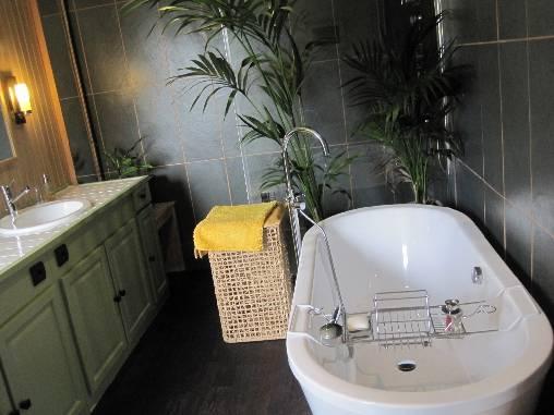Salle de bains de la 2ème suite du 1er étage.