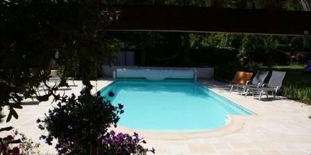 Gite Le Jardin Des Roches > La piscine