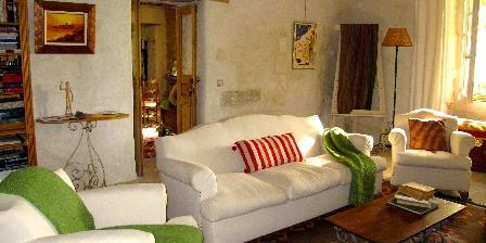La Garance en Provence Librairy sitting room