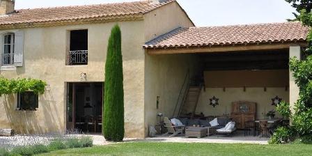La Garance en Provence Salon et salle à manger d'été