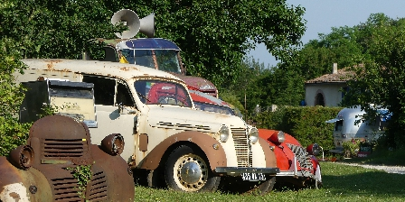 Belrepayre Airstream  Retro Trailer Park L'epoque des vinyls !
