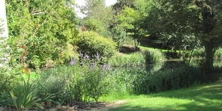 Chambre d'hotes Au Moulin de la Croix > Jardin
