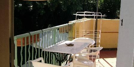 Gite Le Cyprès > coin terrasse