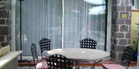 Gite Les Mimosas > extérieur de l'appartement