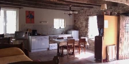 Location de vacances Petite Maison Vacances Brehand > Cuisine , coin repas