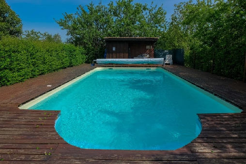 Bed & breakfasts Gironde, from 70 €/Nuit. House of character, Blaignac (33190 Gironde), Charm, Guest Table, Swimming Pool, Sauna, Garden, Park, Net, WiFi, Baby Kits, Parking, 10 Single Bed(s), 9 Double Bedroom(s), 32 Maxi...
