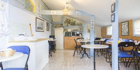 Rando-Yourte Salle des petits déjeuners et coin cuisine