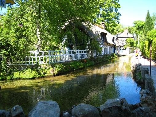 village classé de Veules les roses