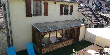 Gites en Côte d'Or Véranda cour gîte 21G375
