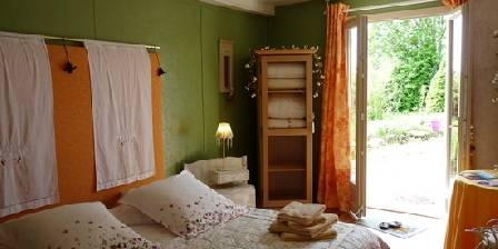 Les Maisons Fougère et La Bulle à Parfums Chambre le Printemps,RDC dans notre maison des Tilleuls