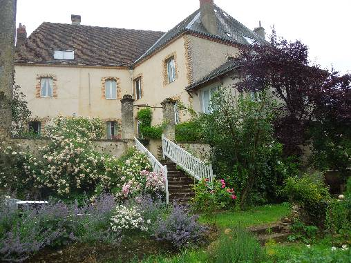 Bed & breakfasts Loir-et-Cher, from 55 €/Nuit. House of character, Mondoubleau (41170 Loir-et-Cher), Charm, Garden, WiFi, Baby Kits, Parking, Kids Games, Gites De France, Cycle, Trainings, Country View, Town/Village View, No S...