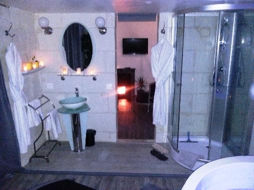 Salle de bains de la suite Zen