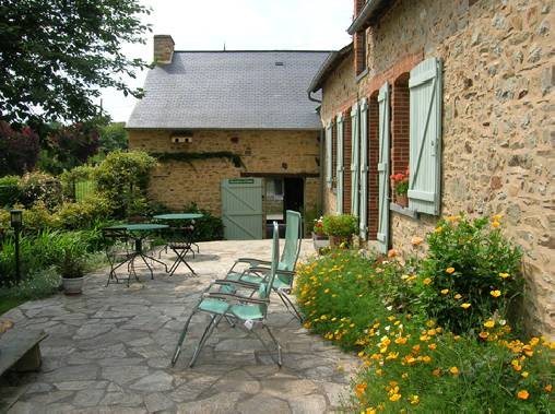 Bed & breakfasts Loire-Atlantique, from 42 €/Nuit. House of character, Mouais (44590 Loire-Atlantique), Charm, Guest Table, Garden, Park, Net, WiFi, T.V., 3 Double Bedroom(s), 6 Maximum People, Lounge, Library, Chimeney, Kids Game...