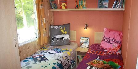 Les Marmottes Chambre 3 lits simples L'Aubépine