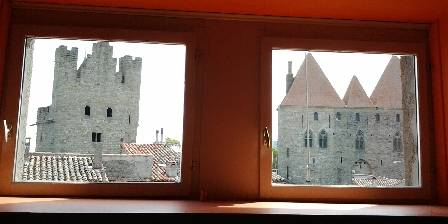 Gästezimmer Le Grand Puits > View from the Orange room