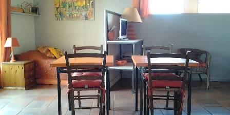 Gästezimmer Le Grand Puits > Orange room