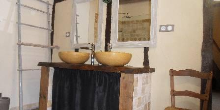 Les Claouès Salle de bain la clairière