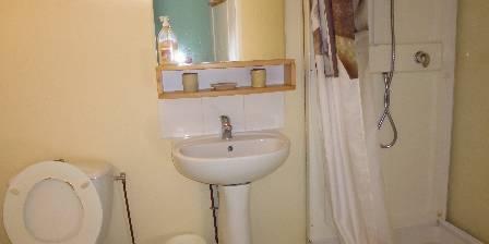 La Cabane à Tatanne Salle de bains ds chambre