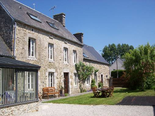 Bed & breakfasts Manche, from 55 €/Nuit. House of character, Tourville sur sienne (50200 Manche), Charm, Disabled access, WiFi, T.V., Baby Kits, Parking, 20 Maximum People, Chimeney, Travel Cheques, Country View. A proxi...