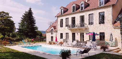 Bed & breakfasts Jura, from 89 €/Nuit. House of character, Saint Julien Sur Suran (39320 Jura), Luxury, Guest Table, Garden, Disabled access, Net, WiFi, T.V., Baby Kits, Parking, 5 Double Bedroom(s), 1 Suite(s), 12 Max...