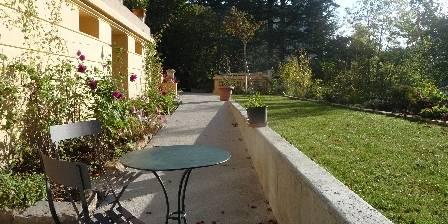 Gite L'annexe de la Villa Roassieux > devant l'Annexe