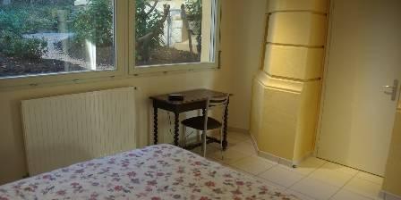 Gite L'annexe de la Villa Roassieux > chambre de l'Annexe