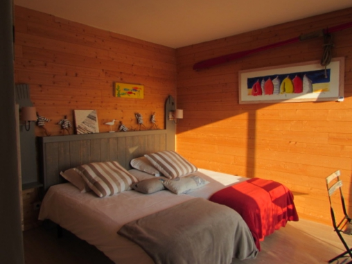 Bed & breakfasts Morbihan, from 50 €/Nuit. House/Villa, Larmor Baden (56870 Morbihan), Charm, Garden, Net, WiFi, Parking, 3 Single Bed(s), 7 Maximum People, Chambres D`hôtes Bretagne, Travel Cheques, Country View, No Smoki...