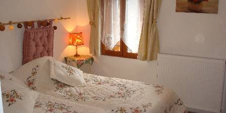 Chambre d'hotes Accueil Au Village > chambre Camélias