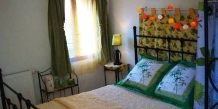 Chambre d'hotes Accueil Au Village > Chambre Tournesols