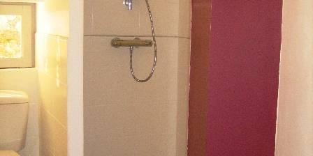 Les Hauts D'issensac La salle de bain