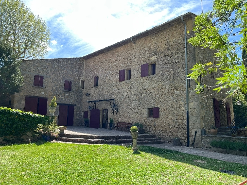 Bed & breakfasts Bouches du Rhône, from 85 €/Nuit. House of character, Jouques (13490 Bouches du Rhône), Charm, Guest Table, Garden, Park, WiFi, Baby Kits, Parking, Air-Conditioning, 4 Double Bedroom(s), 8 Maximum People, Lounge, ...