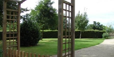 Gîte du Pressoir Le Pressoir : Jardin privatif