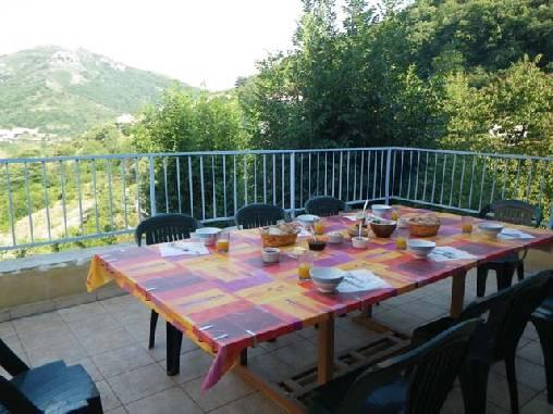 Petit déjeuner sur la terrasse!