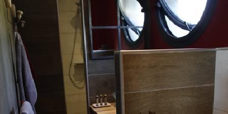 Bonheur  Bohème Chalet shower