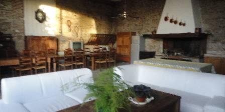 Mamie Joce Salon cuisine gîte T4
