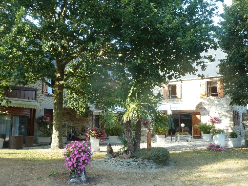 Bed & breakfasts Manche, from 50 €/Nuit. House of character, Ceaux (50220 Manche), Guest Table, Garden, Net, WiFi, T.V., Baby Kits, Parking, 4 Double Bedroom(s), Lounge, Library, Chimeney, Gîtes De France, 3 épis, Accuei...